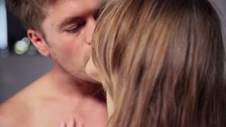 Atração sexual, beijos e chupões e muito desejo de foder