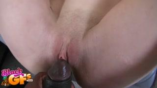 Negão curte sexo total com ninfetinha branquela safada