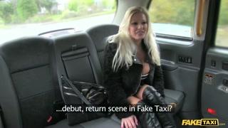 Loira cavala faz sexo vídeos com taxista do sexo