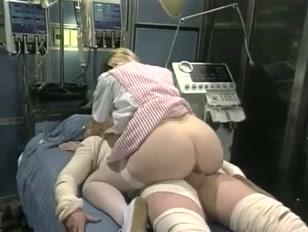 Hospital de putaria com enfermeiras vadias fodendo adoidado