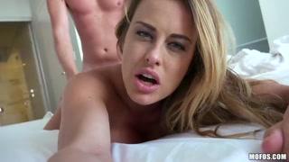 Vídeo de namorada dando chave de buceta cai na internet