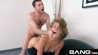 Gatinha passa por estupro porno com macho safado