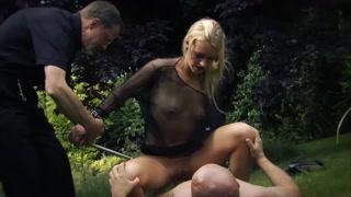 Loira trepando escondido em experiência sexual quente