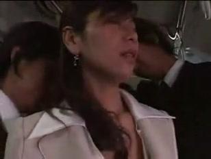Putaria coletiva no ônibus cheio de passageiros na orgia