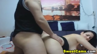 Dona de casa com tesão faz putaria com amante na webcam