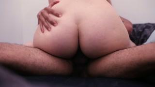 Cenas de sexo mostram intimidade de casal tarado