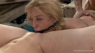 Putonas na transa forte e sexo bizarro com um fortão tarado
