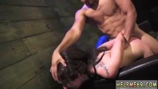 Sexo hardcore com bondage e boceta arrombada com rola grande