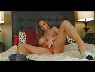 Gostosa masturbando