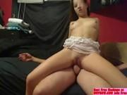 novinha amadora trepando na webcam